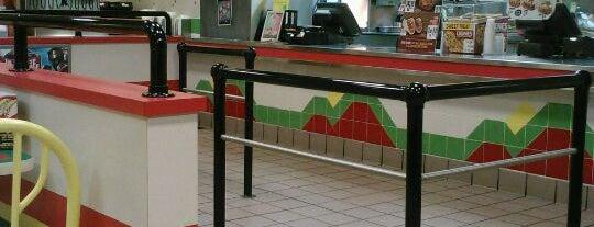 Del Taco is one of Lugares favoritos de Annie.