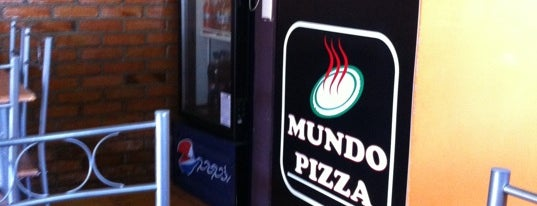 Mundo Pizza is one of mathewさんのお気に入りスポット.