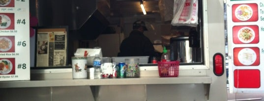 Noodle House Food Cart is one of Benjaminさんのお気に入りスポット.