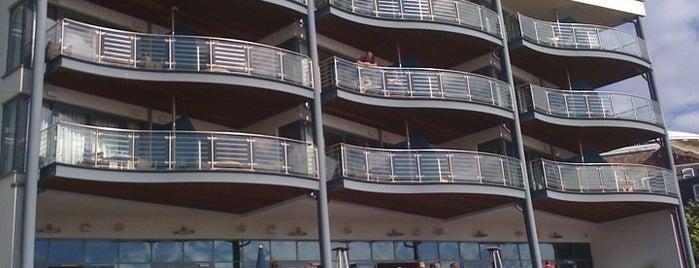 Royal Yacht Hotel is one of Posti che sono piaciuti a William.