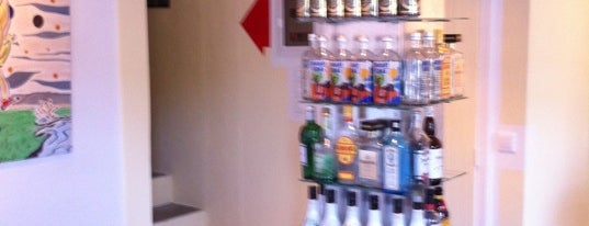 Mercurius Cocktail Bar is one of Skopelos.