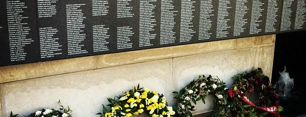 Vietnam Veterans Memorial is one of Andy : понравившиеся места.