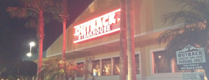 Outback Steakhouse is one of Tempat yang Disukai SK Luxury.
