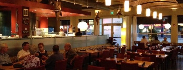 Colore Italian Restaurant is one of สถานที่ที่บันทึกไว้ของ Max.