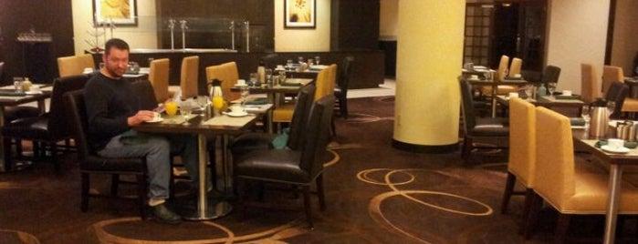 Sheraton Indianapolis Hotel at Keystone Crossing is one of สถานที่ที่ Evan ถูกใจ.