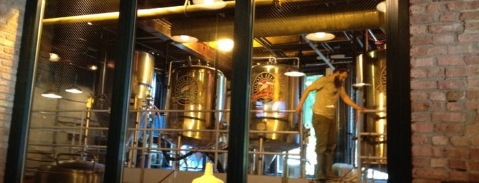 Goose Island Brewpub is one of Breweries I've Visited.