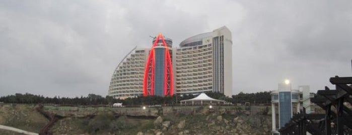 Jumeirah Bilgah Beach Hotel is one of Путешествия.