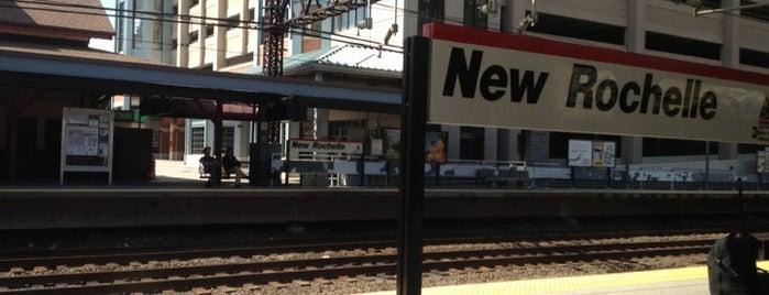 New Rochelle Train Station (NRO) - Metro North & Amtrak is one of Posti che sono piaciuti a Michael.