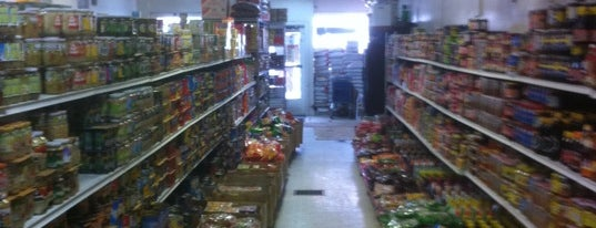 Hoa Hung Oriental Grocery is one of Jenn: сохраненные места.