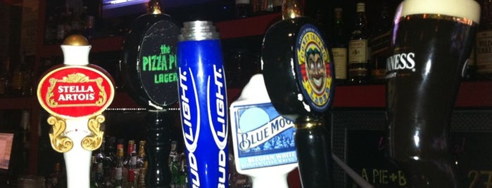 The Pizza Pub is one of VaynerMedia: Where We Drink.