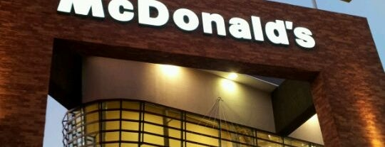 McDonald's is one of Lugares favoritos de Angeles.