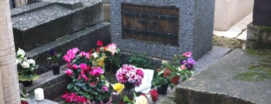 Tombe de Jim Morrison is one of Magical Mystery Tour.