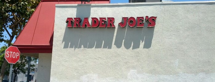 Trader Joe's is one of Chantell'in Beğendiği Mekanlar.