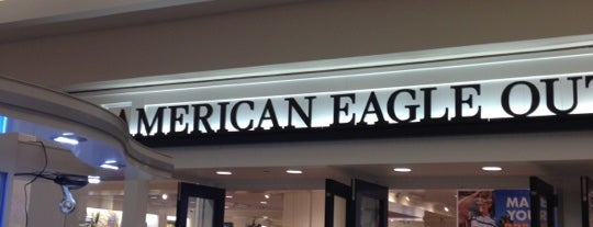 American Eagle Store is one of Mis lugares favoritos para el shopping....