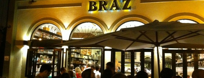Bráz Pizzaria is one of Orte, die Rodrigo gefallen.