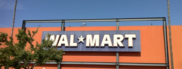 Walmart Supercenter is one of Peterさんのお気に入りスポット.