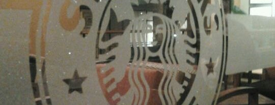 Starbucks is one of Lugares favoritos de Evander.