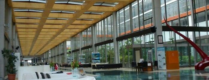 Kervansaray Convention Center is one of Orte, die Banu gefallen.