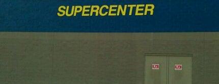 Walmart Supercenter is one of Lugares favoritos de Dawn.
