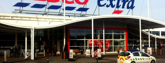 Tesco Extra is one of Locais curtidos por Jessica.