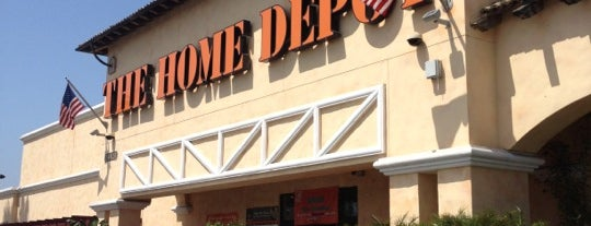 The Home Depot is one of Tempat yang Disukai Lindsey.