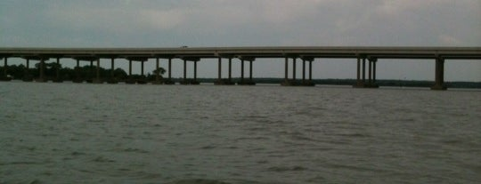 Lake Worth Bridge is one of Posti che sono piaciuti a Devin.