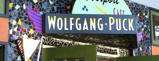 Wolfgang Puck Express is one of Orte, die Jason gefallen.