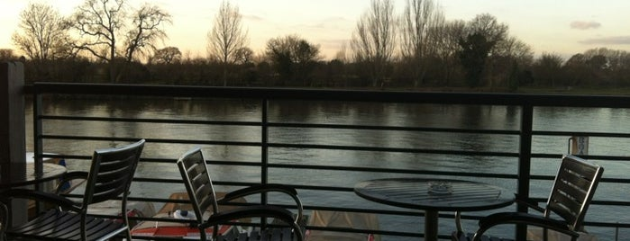 The Hart's Boatyard is one of London restaurants/bars visited.