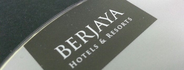 Berjaya Times Square Hotel is one of Locais curtidos por Arie.
