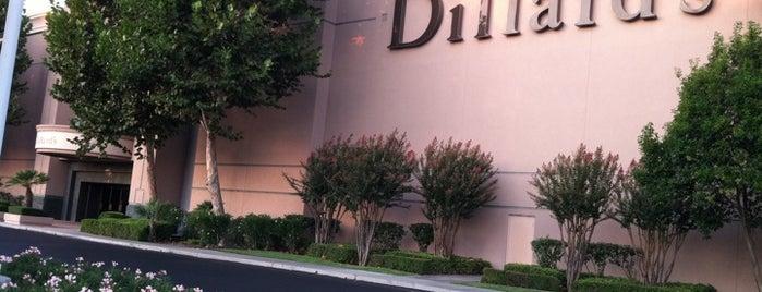 Dillard's is one of Gustavia : понравившиеся места.