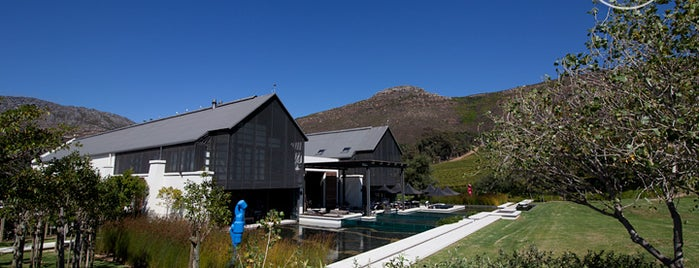 Steenberg Vineyards is one of lua de mel.
