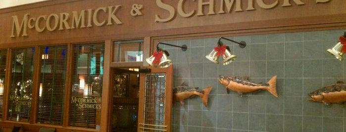 McCormick & Schmick's is one of Lieux qui ont plu à Patty.