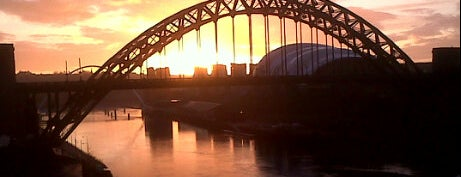Tyne Bridge is one of UK14.