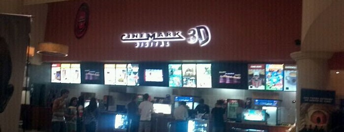 Cinemark is one of Cines.