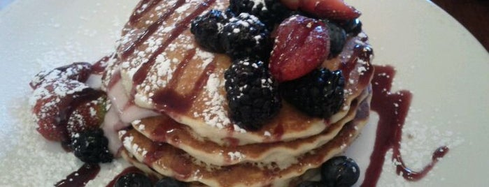 Wildberry Pancakes and Cafe is one of Gespeicherte Orte von Janell.