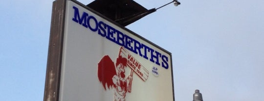 Moseberth's Fried Chicken is one of Diner, Drive-Ins, & Dives - Southern US.