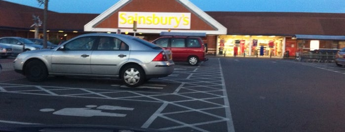 Sainsbury's is one of Locais curtidos por Hideo.