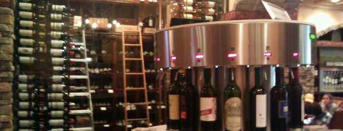 The Wine Room on Park Avenue is one of Paulさんのお気に入りスポット.