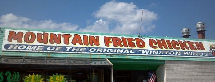 Mountain Fried Chicken is one of Tempat yang Disukai Janell.