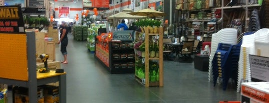 The Home Depot is one of Ryan 님이 좋아한 장소.