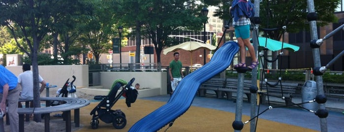 Chelsea Waterside Park  Playground is one of Pien's list.