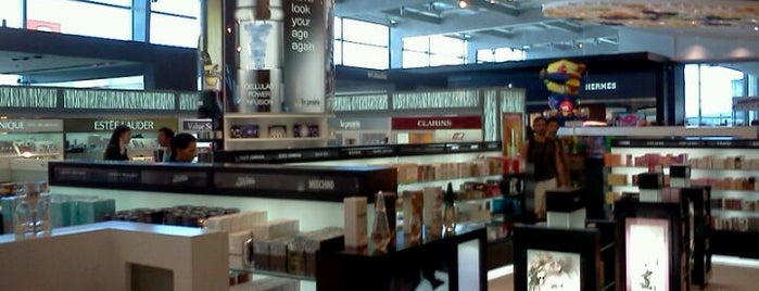 Duty Free is one of Lugares favoritos de Roza.