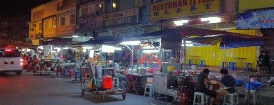 Yulek Hawker Street (友力为食街) is one of Yummies.