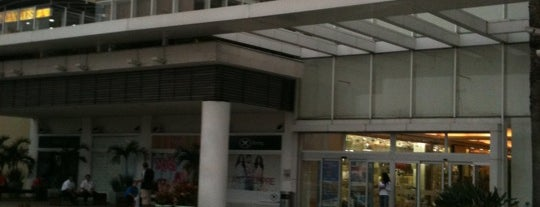 Via Parque Shopping is one of Orte, die Marcelo gefallen.