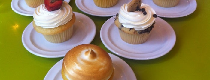 Molly's Cupcakes is one of Places to visit in the US of A!.