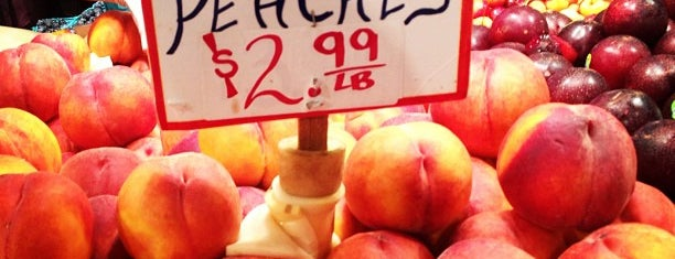 Sosio's Fruit and Produce is one of Lugares favoritos de Jingyuan.
