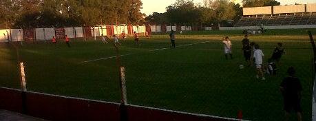 Estadio Luis Méndez Piana is one of Aqui na terra tão jogando futebol.