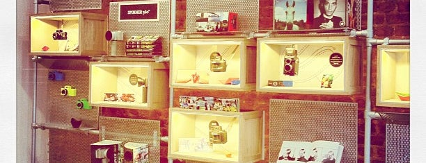 Lomography Embassy Store Istanbul is one of İkra's.