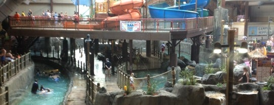 Six Flags Great Escape Lodge & Indoor Waterpark is one of สถานที่ที่บันทึกไว้ของ Nicholas.