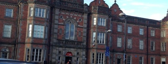 Thackray Museum is one of Locais curtidos por Louise.